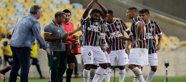 Barrado contra o Flamengo, Wendel pode retornar diante do Avaí (Foto: Globoesporte)