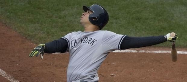 Gary Sanchez at bat. [Image Credit: Keith Allison/Wikimedia Commons]