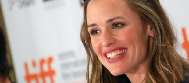 Jennifer Garner is reportedly annoyed of her ex-husband's recent controversy. (Image Credit: Karon Liu/Flickr)