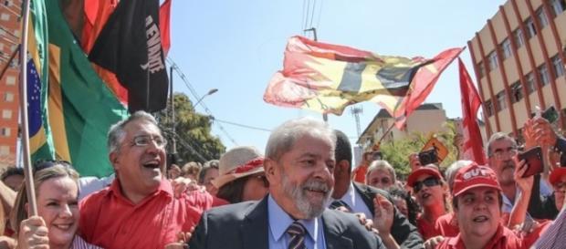 Lula afirma que é hora de reconstruir a democracia (Foto: Divulgação/Ricardo Stuckert)