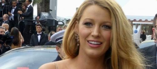 Blake Lively photographed by paparazzi. [Image Credit: GabboT/Flickr]