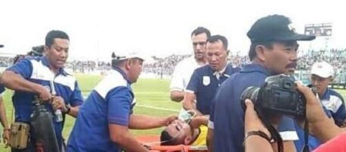 Le gardien Choirul Huda décède suite à une collision avec son coéquipier - Vidéo