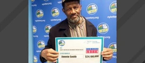 Man finds $24.1 million lottery ticket two days before it expired [Image: GeoBeats News/YouTube screenshot]