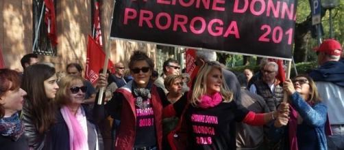 Riforma pensioni fase 2, in piazza anche per la proroga di Opzione donna