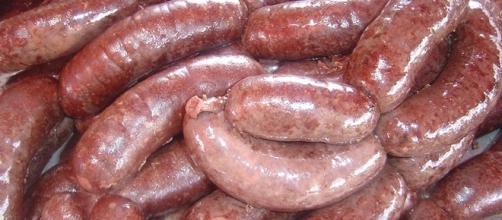 Salsiccia fresca ritirata dai supermercati per rischio salmonella.