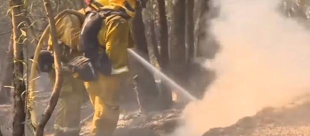 California fires: Almost 6,000 buildings destroyed, 36 people killed [Image via YouTube/KTVQ News]
