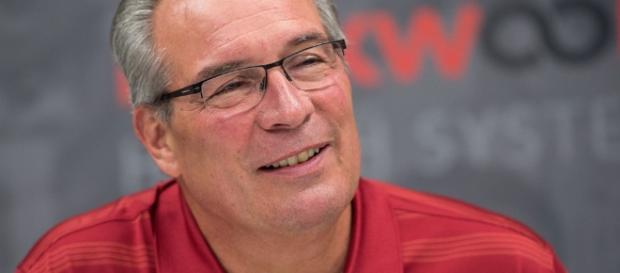 Can former WSU AD Bill Moos keep Mike riley? - [Image via Footballmatters/YouTube]