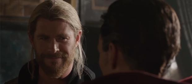 """Chris Hemsworth returns as the God of Thunder in """"Thor: Ragnarok."""" (Marvel Entertainment/YouTube)"""