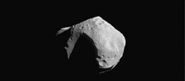 Photo: en.wikipedia.org - A small asteroid passed very close to our planet