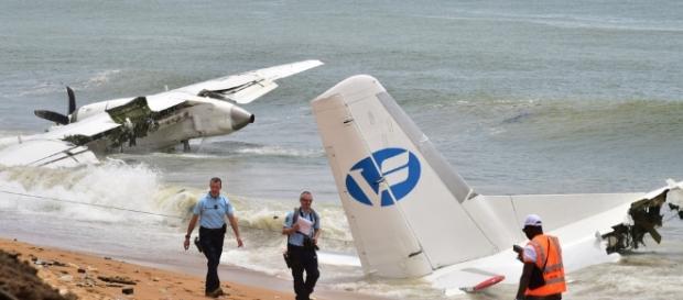Un avion de l'armée française a chuté sur une plage d'Abidjan ce samedi