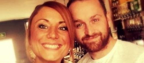 Brincadeira de casal provocou o cancelamento de casamentos de estrangeiros em ilha grega (Crédito: Mail Online)