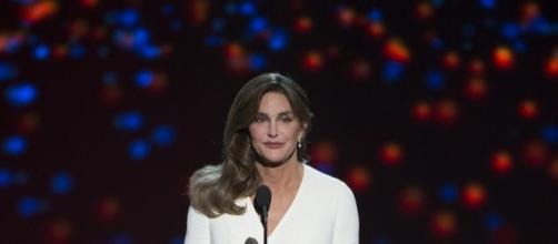 Caitlyn Jenner makes her speech. [Image Credit: Disney ABC Television/Flickr]