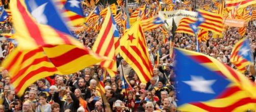 El Constitucional anula la convocatoria del referéndum catalán y ... - elconfidencial.com
