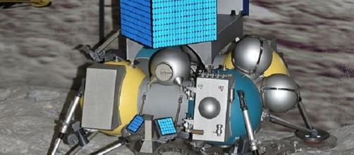 Luna 25 (Luna Glob). [Image Credit: Pline/ Wikimedia Commons]