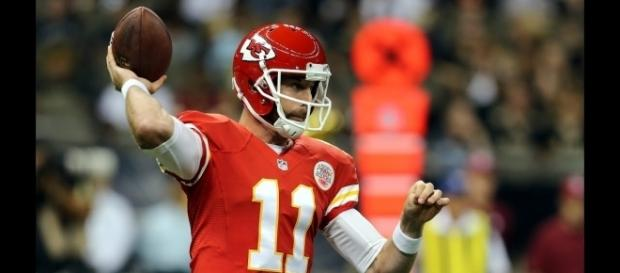 Alex Smith will try to keep the Chiefs undefeated when they host the Steelers on Sunday. [Image via NFL/YouTube]
