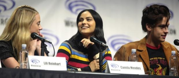 Camila Mendes at San Diego Comic Con. [Image Credit: Gage Skidmore/Flickr]