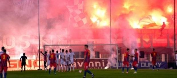 Giuleștiul fierbe în timpul meciului Academia Rapid - CSA Steaua, octombrie 2017