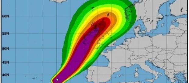 Hurricane Ophelia heads for Ireland as a Category 3 storm [Image Credit: Photo via National Hurricane Centre]