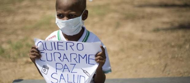 Niños venezolanos participaron en protestas callejeras exigiendo medicinas para el cáncer infantil. - univision.com