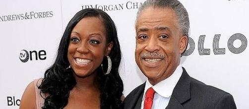 Al Sharpton's daughter, Dominique, was an hour late to her own wedding [Image: United News International/YouTube screenshot]