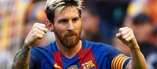 Barcelona superstar Lionel Messi donates £200,000 to youth club in ... - thesun.co.uk
