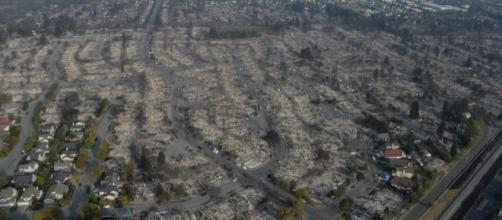 Homes destroyed from Santa Rosa wildfire / [Image credit National Guard/Flickr]