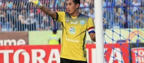 Indonesian footballer Choirul Huda dies after collision with ... - hindustantimes.com