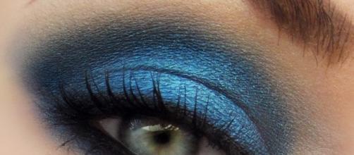 Un particolare del Blue Smokey Make Up Tutorial