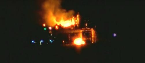 Search underway to find missing person in oil rig explosion [Image via YouTube/CBS This Morning]