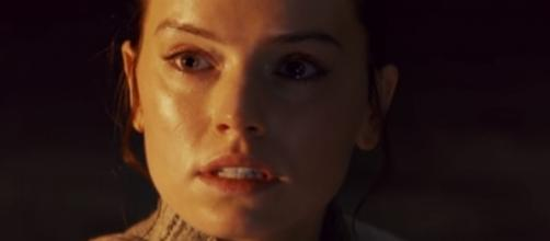 'Star Wars 8' spoilers: Rey possibly a Sith descendant in 'The Last Jedi' -- [Image Credit: Star Wars/YouTube]