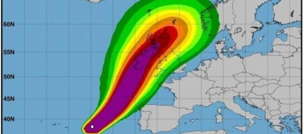 100,000 Irish homes lose power as Hurricane Ophelia arrives [Image Credit: Photo via National Hurricane Centre]