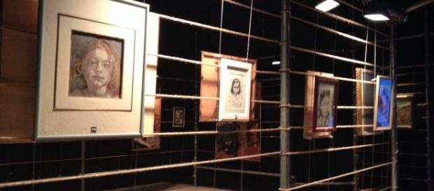 Riflessioni in mostra: allestimento scenografico di Eugenio Tavassi