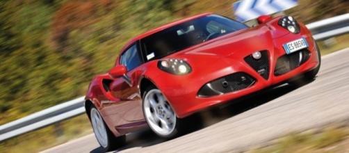 Alfa Romeo 4C in una pista Britannica | Evo - evo.co.uk