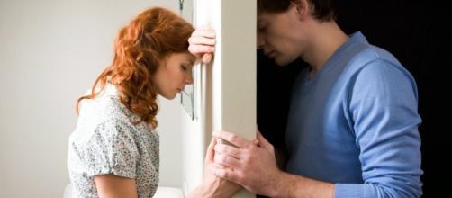 Conheça os signos que nunca ficam com alguém, se gostar de outra pessoa