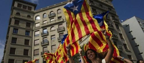 Discurso de Puigdemont sobre Cataluña se retrasa en medio de gran ... - pulso.cl