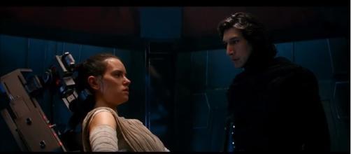 Kylo Ren Interrogates Rey - Entire Scene | Image Credit: thelostgirl101/YouTube