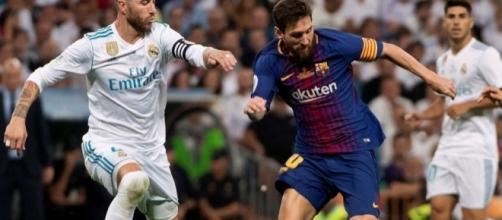 Lionel Messi y Sergio Ramos en el campo - clarin.com