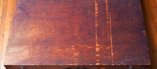 Misteriosa caja encontrada en Texas, con extraños dibujos.