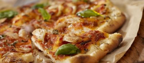 Pagati per assaggiare pizze: il lavoro   Radio Deejay - deejay.it