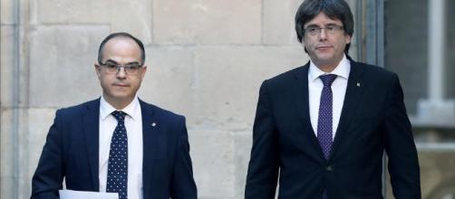 Puigdemont enfrente a rajoy Cataluña.