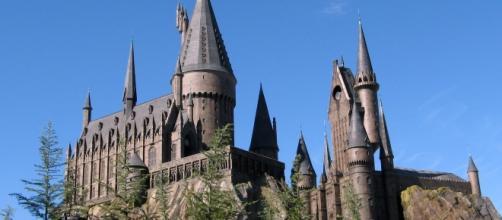 The Hogwarts castle at the Wizarding World of Harry Potter in Orlando, Florida -- Image via Carlos Cruz via Wikimedia Commons