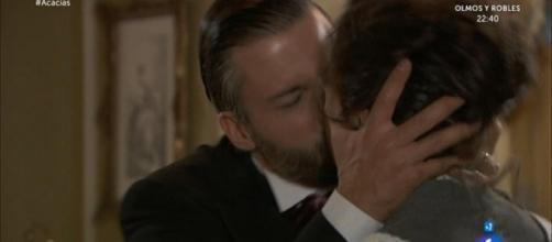 Una Vita, anticipazioni 23-28 ottobre: il bacio di Huertas e Felipe, Teresa sviene