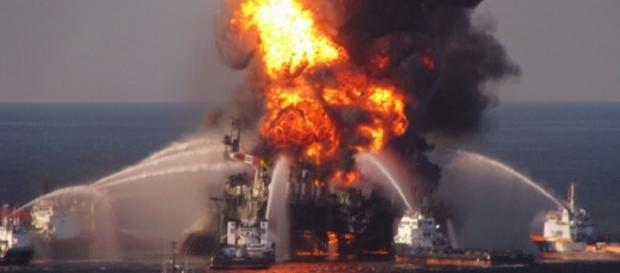An oil rig exploded in Lake Pontchartrain, injuring seven/Image Credit: Amy Huser/Flickr