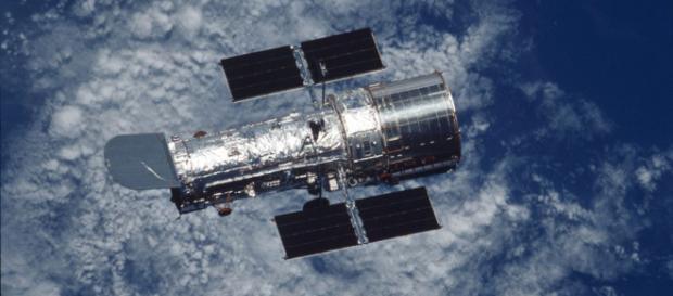 Não foram divulgados planos da NASA para corrigir a órbita do artefato. ( Foto: Reprodução)
