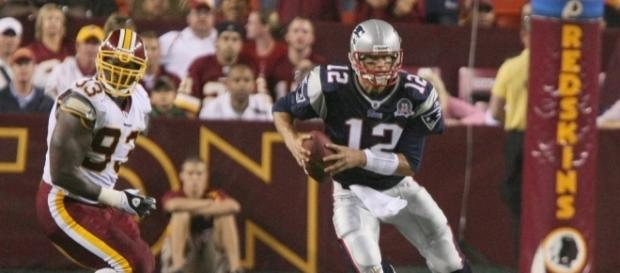 Tom Brady scrambling in the pocket - Image by Keith Allison via Wikimedia Commons