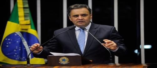 Aécio Neves retorna ao Senado Federal