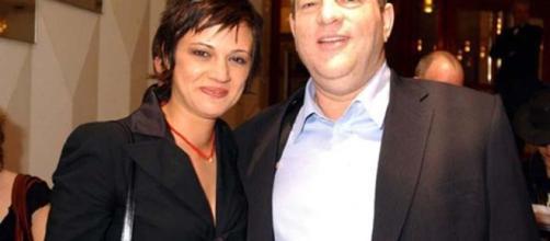 Asia Argento in una foto con il produttore Weinstein