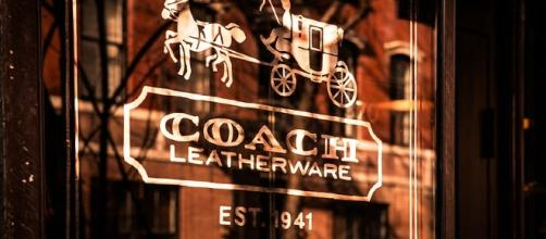 Coach logo in front of a store, Image Credit: WestportWiki / Wikimedia