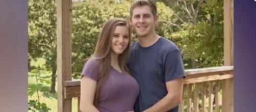 Joy-Anna Duggar and Austin Forsyth [Image by TheFame/YouTube]