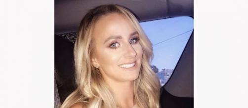 Leah Messer shows off her look on the way to the MTV Video Music Awards. [Photo via Facebook]